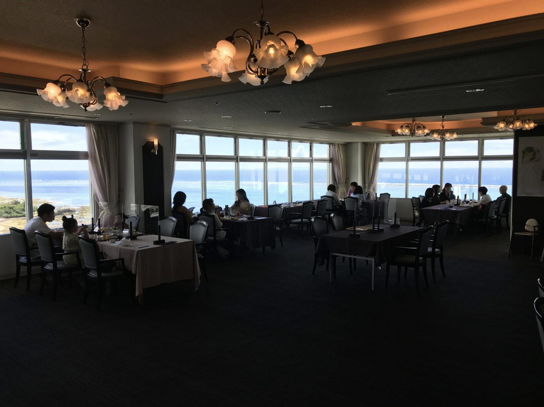 13階のレストランからの眺めはー