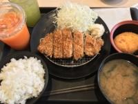 松のや 那覇小禄店で『得朝ロースかつ定食』400円を食べてきた。