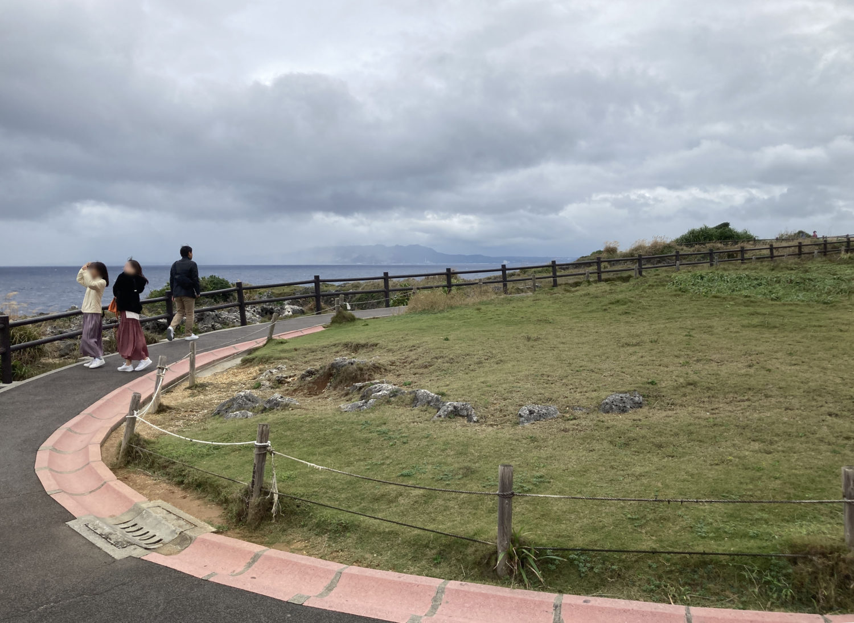 コロナ渦とあって、土曜日としては観光客は少なかった。それと風が強かった!