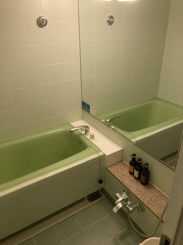 バスルームです。今回はホテルの浴場を使ったので、こちらは使わず、でした。