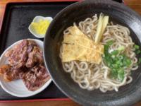 中城村の『麺家にらい』で沖縄そば、なんこつソーキそば、じゅうしいを食べてきた。